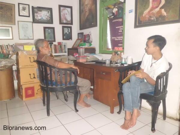 Soesilo Toer saat wawan dengan Reporter Bloranews.com