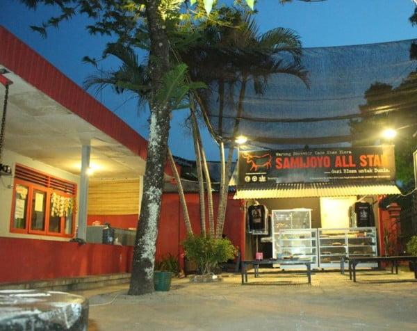 Cafe 33 Eko Arifianto