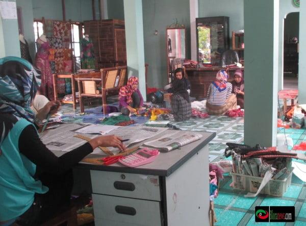 Rumah produksi batik blora