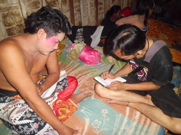 "Kepada Bloranews.com, Bapak Sukono menyampaikan kisah pendirian Kelompok Kethoprak "" Tri Manggolo Budoyo "" dan kiprahnya dalam melestarikan seni teater asli Jawa ini di Kabupaten Blora."