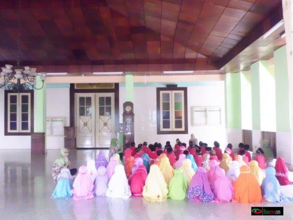 kegiatan di masjid baitunnur blora