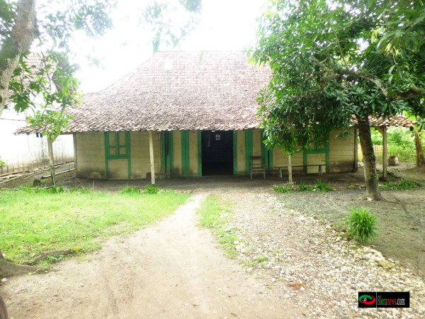 Rumah / kediaman lang lang yudo