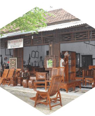 3. Kerajinan ukir kayu di berbagai desa di Kabupeten Blora