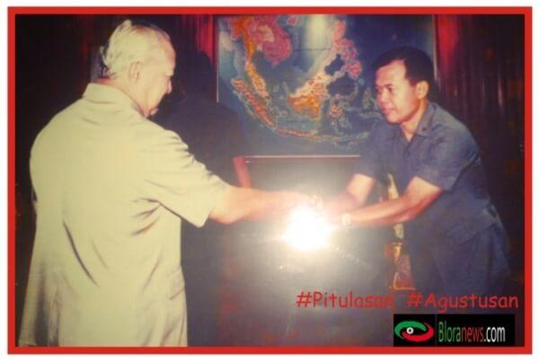 H. Karsidin bersama dengan Presiden Republik Indonesia