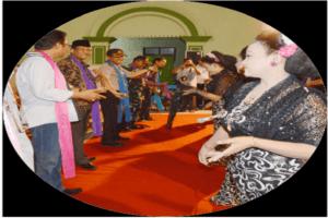 BUDAYA BLORA : MENGENAL SENI TAYUB