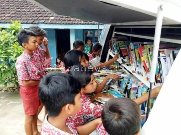 Dinas perpustakaan dan kearsipan