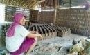 pengrajin batu bata