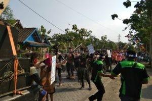 MINIATUR INDONESIA DALAM PAWAI KEMERDEKAAN DI DESA NGLUNGGER KRADENAN