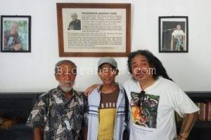 SOESILO TOER : JANGAN HANGAT-HANGAT TAHI AYAM