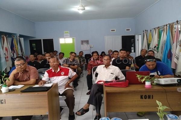 Pengurus KONI saat rapat koordinasi menghadapi Porprov 2018