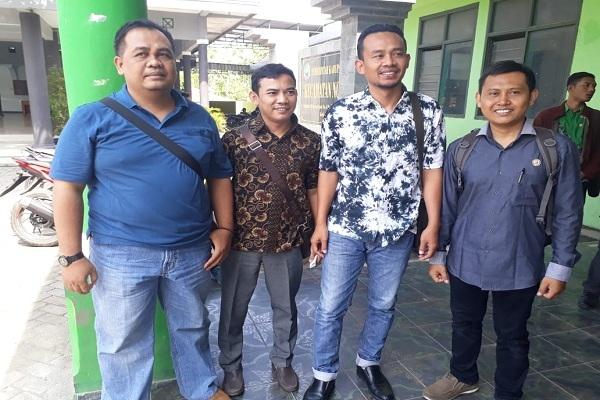 Moh Rofiudin dan beberapa anggota Panwascam