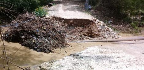 Jembatan penghubung Dusun Canggah Desa Talokwohmojo Kecamatan Ngawen, Kabupaten Blora
