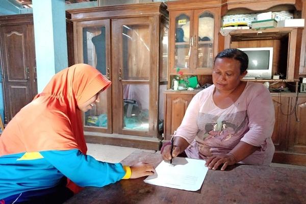 Warsi (44) mengundurkan diri dari Program Keluarga Harapan (PKH)