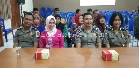 Anggota Polres Blora yang hendak menikah tengah menunggu giliran ujian ngaji
