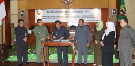 Penandatanganan 7 Ranperda dalam Rapat Paripurna DPRD Kabupaten Blora