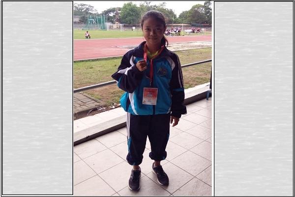 Mei Dista Afdarista meraih medali emas dalam cabor lari 200 meter putri di Peparprov Jateng 2018