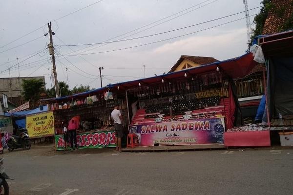 Stand Pasar Murah dalam rangka Peringatan Maulid Nabi di Desa Sempu, Kecamatan Kunduran, Blora