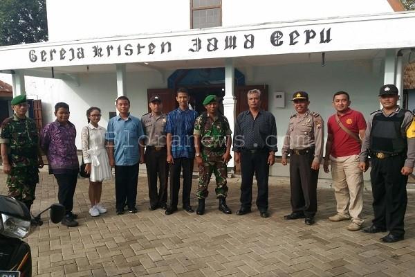 pelaksanaan kebaktian di Gereja Kristen Jawa Cepu