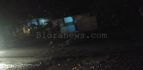 Lakalantas di ruas jalan Blora-Cepu, Desa Seso Kecamatan Jepon Kabupaten Blora