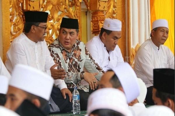 Sekjen PBNU Helmy Faishal Zaini didampingi Bupati Djoko Nugroho dan Wabup Arief Rohman dalam Haul Akbar Blora 2018