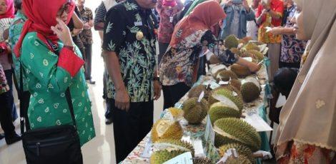 Festival Buah Lokal 2019 di Pasar Rakyat Sido Makmur Blora