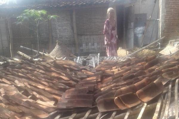 Rumah milik Rawi (79) warga Desa Gotputuk RT 06 RW 02 Kecamatan Ngawen, Kabupaten Blora roboh.