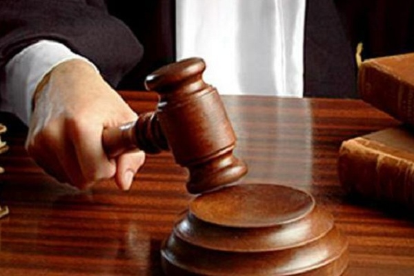 Ketidakpatuhan Pemkab Blora yang tidak melaksanakan putusan Mahkamah Agung (MA) terkait perkara kasasi perdata tahun 2016 lalu membuat kontraktor meradang. Putusan ini diterbitkan lantaran Pemkab tidak membayar pekerjaan pembangunan yang telah diselesaikan oleh kontraktor tersebut.