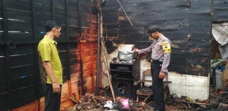 Kebakaran di rumah milik Wardi (24) di Dusun Ploso RT 07 RW 02 Desa Sarimulyo Kecamatan Ngawen, Kabupaten Blora