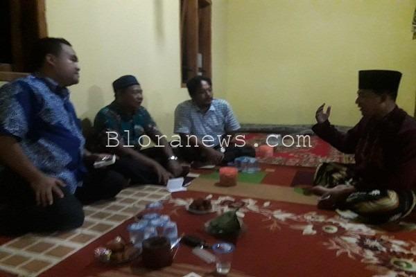 Wakil Bupati Blora Arief Rohman menemui perwakilan warga kawasan Wonorejo di kompleks Pesantren Al Muhammad Cepu