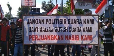Aksi Warga Cepu menuntut penerbitan Sertifikat Hak Milik di Jalan Nasional