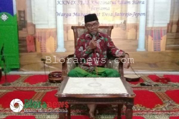Pengajian perpisahan KKN STAI Khozinatul Ulum di Masjid Baiturrahman