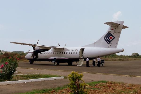 Pesawat jenis ATR 42