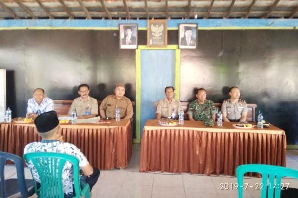 Rapat dengar pendapat masyarakat terkait Pilkades Sonokulon di Balaidesa Sonokulon Kecamatan Todanan Kabupaten Blora