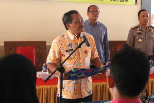 Bupati Blora Djoko Nugroho dalam Deklarasi Damai Pilkades Serentak 2019 di Pendopo Kecamatan Jepon