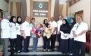 Batita penderita hidrosefalus diberangkatkan dari kantor Dinkes Blora menuju RS Elisabeth Semarang