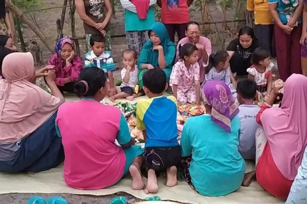 Tradisi Campur Bawur menyambut Bulan Suro di Desa Temulus Kecamatan Randublatung Kabupaten Blora