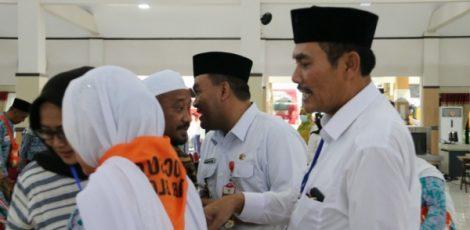 Perwakilan Pemkab Blora menjemput jamaah haji di Asrama Haji Donohudan Boyolali