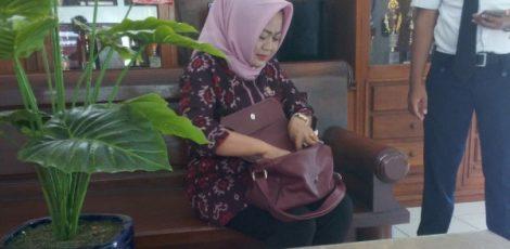 Anggota DPRD Blora, Siti Rochmah Yuni Astuti di kantor Kejaksaan Negeri Blora