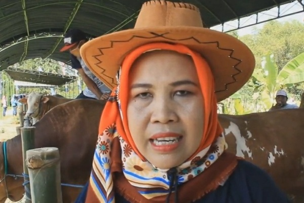 Tersangka kasus korupsi program Upsus Siwab Dinakikan Blora, Wahyu Agustini