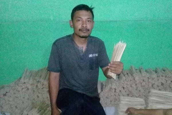 Pemilik usaha tusuk sate Sido Mukti, Marjuanto (37)