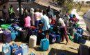 Distribusi air bersih Lazisnu Kabupaten Blora di salah satu desa terdampak kekeringan