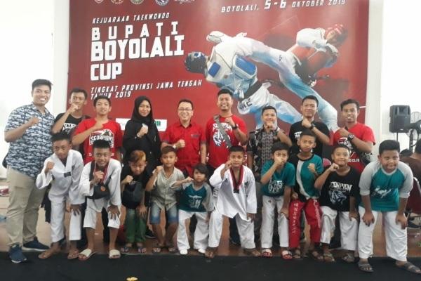 Tim STC Academy Blora usai mengikuti kejuaraan taekwondo tingkat Provinsi Jateng Bupati Boyolali Cup 2019
