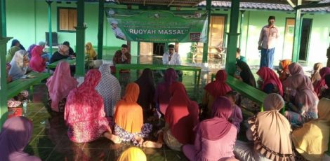 Ruqyah massal JRA Jatikusumo di Taman Maryati Desa Talokwohmojo Kecamatan Ngawen Kabupaten Blora