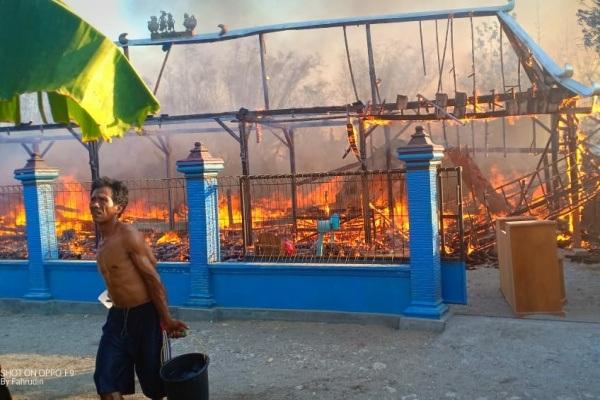 Kebakaran di Dusun Karanggeneng RT 05 RW 03 Desa Randulawang Kecamatan Jati Kabupaten Blora