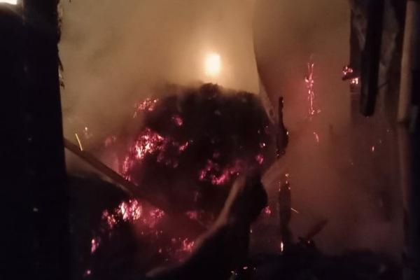 Kebakaran di kandang penyimpanan jerami milik Sutarmin (50) di Dusun Nglawiyan RT 02 RW 04 Kelurahan Karangjati Kecamatan Blora Kota, Kabupaten Blora