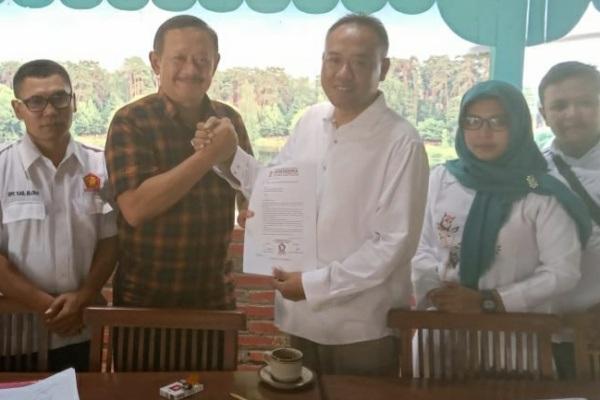 Ketua DPC Partai Gerindra Blora, Yulianto bersama Ketua DPC PPP Blora Abu Nafi (baju coklat)