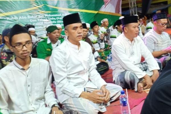 Ketua DPC PKB Blora, Abdul Hakim (tengah)