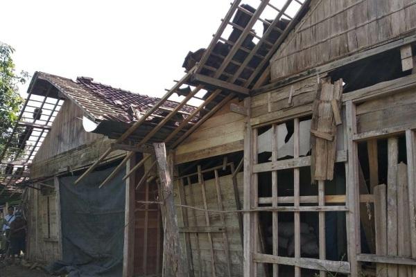 Kondisi pasca angin kencang di Dusun Mejurang Desa Sambongrejo Kecamatan Sambong Kabupaten Blora