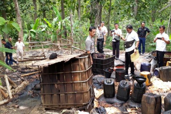 Penertiban penampungan minyak mentah ilegal di Kecamatan Jiken Kabupaten Blora