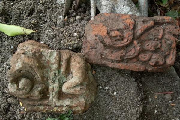 Temuan bata kuno berukir di Desa Sumberpitu Kecamatan Cepu Kabupaten Blora